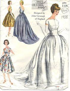1958 Vintage Vogue Sewing Pattern Evening Dress Gown 1401 BY John Cavanagh… Vintage Dress Patterns, Vintage Dresses, Vintage Outfits, Vintage Fashion, 1930s Wedding Dresses, Vogue Wedding Dress Patterns, 50s Wedding, Bling Wedding, Gown Wedding