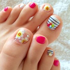 Beautiful Toe Nails Art Ideas To Inspire You - Page 7 of 14 - Dazhimen Pedicure Designs, Pedicure Nail Art, Toe Nail Designs, Toe Nail Art, Nails Design, Pretty Toe Nails, Cute Toe Nails, Pretty Toes, Uñas Fashion