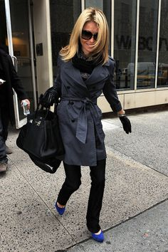 kelly ripa- she is my ultimate fav girl.... forever and ever. All the way down to those cobalt blue suede YSL heels and birkin 35