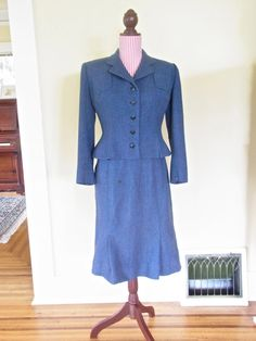 vintage womens suit / 1940s womans suit 1950 by thespectaclednewt, $65.00
