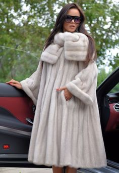 Nadire Atas on Luxury Fur Coats fur Fur Fashion, Winter Fashion, Fashion Outfits, Womens Fashion, Long Fur Coat, Fur Coats, Fur Clothing, Fur Accessories, Vintage Fur