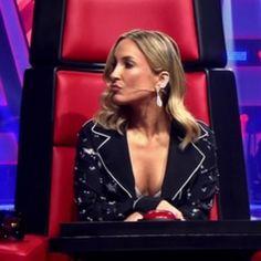"""Claudia Leitte leva """"toco"""" de candidata e fica sem graça no """"The Voice"""""""