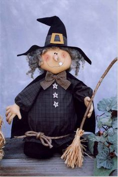 Halloween!! Gotta make this witch.  Too cute!