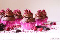Czekoladowe cupcake'i z malinami