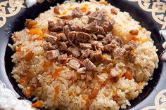 Plov is a Russian rice pilaf made with beef. This delicious and easy to prepare rice dish is super tasty. Rice Recipes, Great Recipes, Cooking Recipes, Biryani, Salsa Tzatziki, Pilau Rice, Tanzania Food, Rice Pilaf Recipe, Arroz Frito