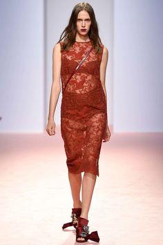 No. 21 Spring 2015 Ready-to-Wear Fashion Show - Georgia Hilmer