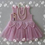 Very cute little girl dresses, crochet; Russian site, step-by-step photos, charts. Crochet Dress Girl, Baby Girl Crochet, Crochet Baby Clothes, Crochet Blouse, Crochet Top, Knitting For Kids, Crochet For Kids, Little Girl Dresses, Girls Dresses