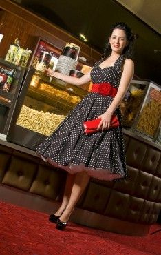 Cute retro 50s dress!