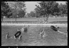 Swimming pool, Caldwell, Idaho: photo by Russell Lee, July 1941