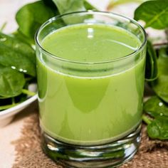 12 Best Benefits Of Spinach Juice For Skin, Hair And Health Spinach Juice Benefits, Juicing Benefits, Juice Menu, Juice Diet, Fruit Juice, Juice For Skin, Raw Spinach, Low Carbohydrate Diet, Raw Vegetables