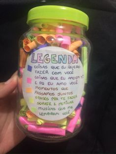 que fofiss ainda vou fazer pro mozão (só basta acha ló kkj). Best Friend Gifts, Gifts For Friends, Love Gifts, Diy Gifts, Box Surprise, Little Presents, Gifts For My Boyfriend, Creative Gifts, Birthday Gifts