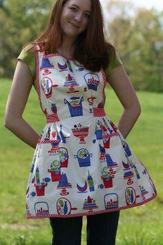 Retro, summer apron.  Vintage 4th of July look!