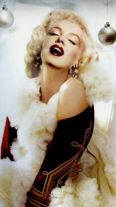 Fantasy Artwork of Marilyn During Christmas time Marilyn Monroe Artwork, Imperfection Is Beauty, Norma Jeane, Up Girl, Vintage Hollywood, Punk Fashion, Vintage Beauty, Glamour, Actresses