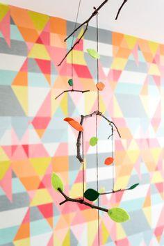Quarto de bebê no tema raposinha! Projeto da designer de interiores Renata McCartney. Acesse: http://mamaepratica.com.br/2016/01/15/quarto-de-bebe-no-tema-raposinha/