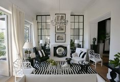 driftwood interiors: Black + White  www.yournestdesign.blogspot.com