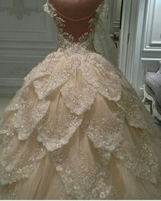 Feathers Wedding Dresses Appliques Beads Bridal Ball Gowns Custom Made Luxury Crystal Wedding Dresses, Beautiful Wedding Gowns, Bridal Wedding Dresses, Dream Wedding Dresses, Beautiful Dresses, Crystal Dress, Glamorous Dresses, Ball Dresses, Ball Gowns