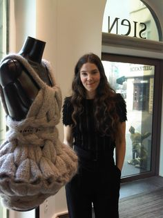 sandra backlund Knitwear Fashion, Crochet Fashion, Extreme Knitting, Sandra Backlund, Textiles, How To Purl Knit, Knit Picks, Fabric Manipulation, Knit Crochet