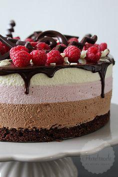 Chocolade frambozen mousse taart | HandmadeHelen