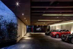 Modern Garge in Mexico City Luxury Apartments, Luxury Homes, Parking Building, Design Garage, Future House, My House, Underground Garage, Plans Architecture, Garage Interior
