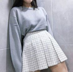 Find and save up to date fashion trends and the latest style inspiration, ootd photography and outfit looks Cute Fashion, Asian Fashion, Look Fashion, Fashion Outfits, Womens Fashion, Fashion Trends, Korean Fashion Styles, Runway Fashion, Korean Style