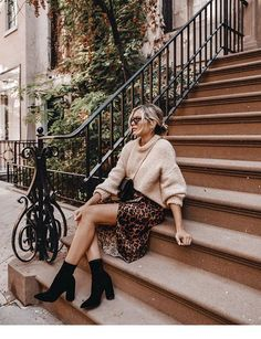 Im 31 and singlewhy its hard great at the same time 16 trendy autumn street style outfits for 2018 Casual Fall Outfits, Fall Winter Outfits, Autumn Winter Fashion, Spring Outfits, Spring Fashion, Dress Winter, Outfit Summer, Urban Chic Outfits, Autumn Look