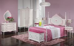 Glamour - We love old furniture Old Furniture, Glamour, Bed, Home Decor, Products, Decoration Home, Stream Bed, Room Decor, Beds