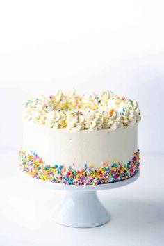 White Birthday Cakes, Pretty Birthday Cakes, Pretty Cakes, Cute Cakes, Sprinkle Birthday Cakes, Sprinkle Cakes, Cake Icing, Cupcake Cakes, Funfetti Cake