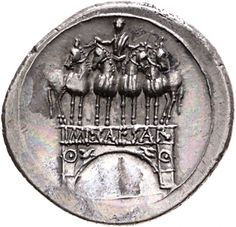 Denario - argento - Roma o Brindisi (29-27 a.C.- Ottaviano ) - IMP CAESAR sul fronte di arco trionfale sormontato da quadriga guidata da Ottaviano - Münzkabinett Berlin