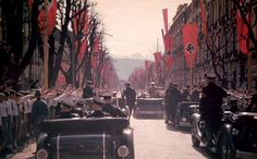 Hitler never left home without a substantial SS security detail in attendance. His security arrangements were way ahead of their time. This photo, taken in Vienna, offers a rare view of the entire security motorcade from the rear and demonstrates the level of readiness of the bodyguards.
