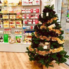 Christmas Wreaths, Christmas Tree, Holiday Decor, Home Decor, Pharmacy, Xmas, Christmas Garlands, Homemade Home Decor, Holiday Burlap Wreath