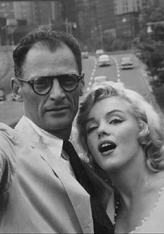 1957 Arthur Miller and Marilyn in Manhattan. Gentlemen Prefer Blondes, Marylin Monroe, Norma Jeane, Golden Age Of Hollywood, The Most Beautiful Girl, My Images, Monroe Quotes, Singer, Actors