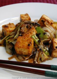 Roasted Tofu with Leeks and Black Bean Sauce for a #Vegan Chinese New Year yum!!
