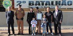 2º Batalhão Homenageia Policial Militar destaque do mês - http://projac.com.br/noticias/2o-batalhao-homenageia-policial-militar-destaque-mes.html