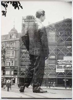 Erwin Piscator Entering the Nollendorf Theater, Berlin, 1929 © Sasha Stone