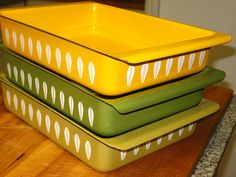 Okay, not Pyrex, but it's pretty fabulous. I own the middle one, and it is Cathrineholm vintage enamel bakeware. I have used it several times - its sturdy and bakes everything evenly. A great thrift store find!