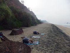 Meditativt yogaretræte i Kerala   6. januar - 6. februar 2016 (Vælg 1-4 ugers ophold) - Meditativt yogaretræte i Inden, ved Varkala der byder på en af kystens skønneste sandstrande og er et godt sted at blive forkælet med massage og ayurvediske behandlinger på et af de mange ayurvedacentre.