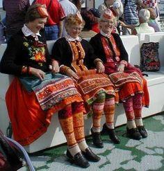 Panoramio - Photo of Muhu national clothes Traditional Dresses, Traditional Art, Baltic Region, Estonia Travel, Ethnic Design, Textiles, Europe, Folk Costume, People Around The World