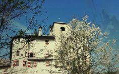 castel bragher in #trentino trovi fantastici scorci con #castelli medioevali nascosti tra i boschi, nelle valli, tra i campi..vacanza #trentino #benessere #relax e #cultura