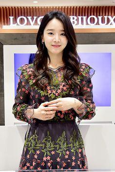 Korean Actresses, Asian Actors, Actors & Actresses, Shin Hye Sung, Park Shin Hye, Korean Celebrities, Celebs, Girl Actors, Handsome Korean Actors