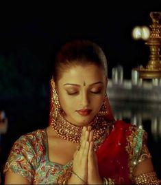 Aishwarya Rai, Pure Beauty, Chokers, Pure Products, Glasses, Color, Jewelry, Movie, Amazing