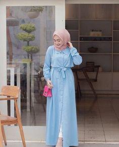 Modern Hijab Fashion, Hijab Fashion Inspiration, Korean Fashion, Moslem Fashion, Modele Hijab, Casual Hijab Outfit, Modest Outfits, Fashion Outfits, Korean Style