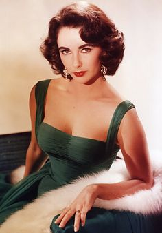 Elizabeth Taylor is the Largest fashion icon. Period.    #ElizabethArden #BeautifulToMe