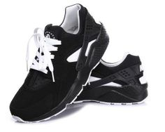 NIKE Nike Air Huaraches Black/White