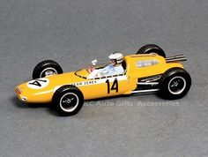 1962 Lotus 24 US Grand Prix Roger Penske 1:43 Scale Model Car by Spark S2140 1962 Lotus 24 US Grand Prix driven by Roger Penske, SparkModel S2140. Spark has replicated the original car with this 1:43 scale replica made in resin. Manufacturer: Spark Model Part #: S2140 Material: Resin Scale: 1:43 Includes display case.