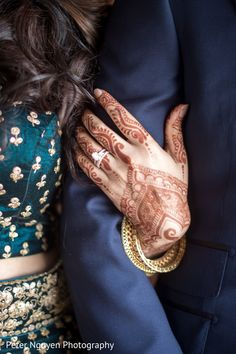 New wedding indian decoration mehndi bridal lehenga Ideas - Wedding Photos Indian Engagement Photos, Indian Wedding Photos, Engagement Photo Poses, Engagement Ideas, Engagement Rings Couple, Couple Rings, Indian Weddings, Engagement Pictures, Indian Wedding Mehndi