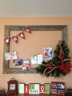 Cool 38 Totally Adorable Christmas Card Display Decoration Ideas. More at http://dailypatio.com/2017/11/24/38-totally-adorable-christmas-card-display-decoration-ideas/
