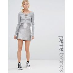 New Look Petite Metallic A Line Skirt (€28) ❤ liked on Polyvore featuring skirts, petite, silver, zipper skirt, metallic high waisted skirt, metallic a line skirt, a line skirt and petite skirts