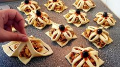 Exclusively for the new Turkish or Turkish pancakes - Raclette Ideen Puff Pastry Appetizers, Light Appetizers, Appetizer Recipes, Dessert Recipes, Pastry Recipes, Cooking Recipes, Fingers Food, Pastry Design, Homemade Pastries