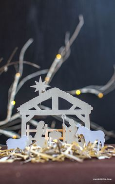 #Nativityscene #Christmasdecor #paperart www.LiaGriffith.com: