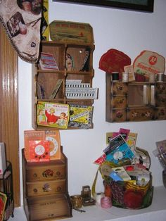 Some of my vintage sewing accessories and notions